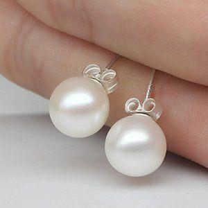 NEW 925 Sterling Silver Pearl Stud Earrings